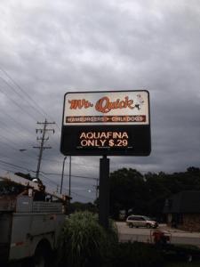 Sign Service Mr Quick